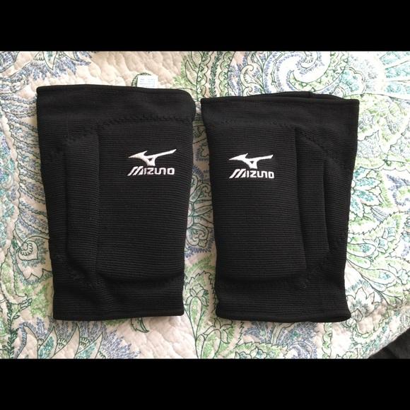 ac25620c1ac7 Mizuno Accessories | Nwt T10 Plus Volleyball Kneepads | Poshmark